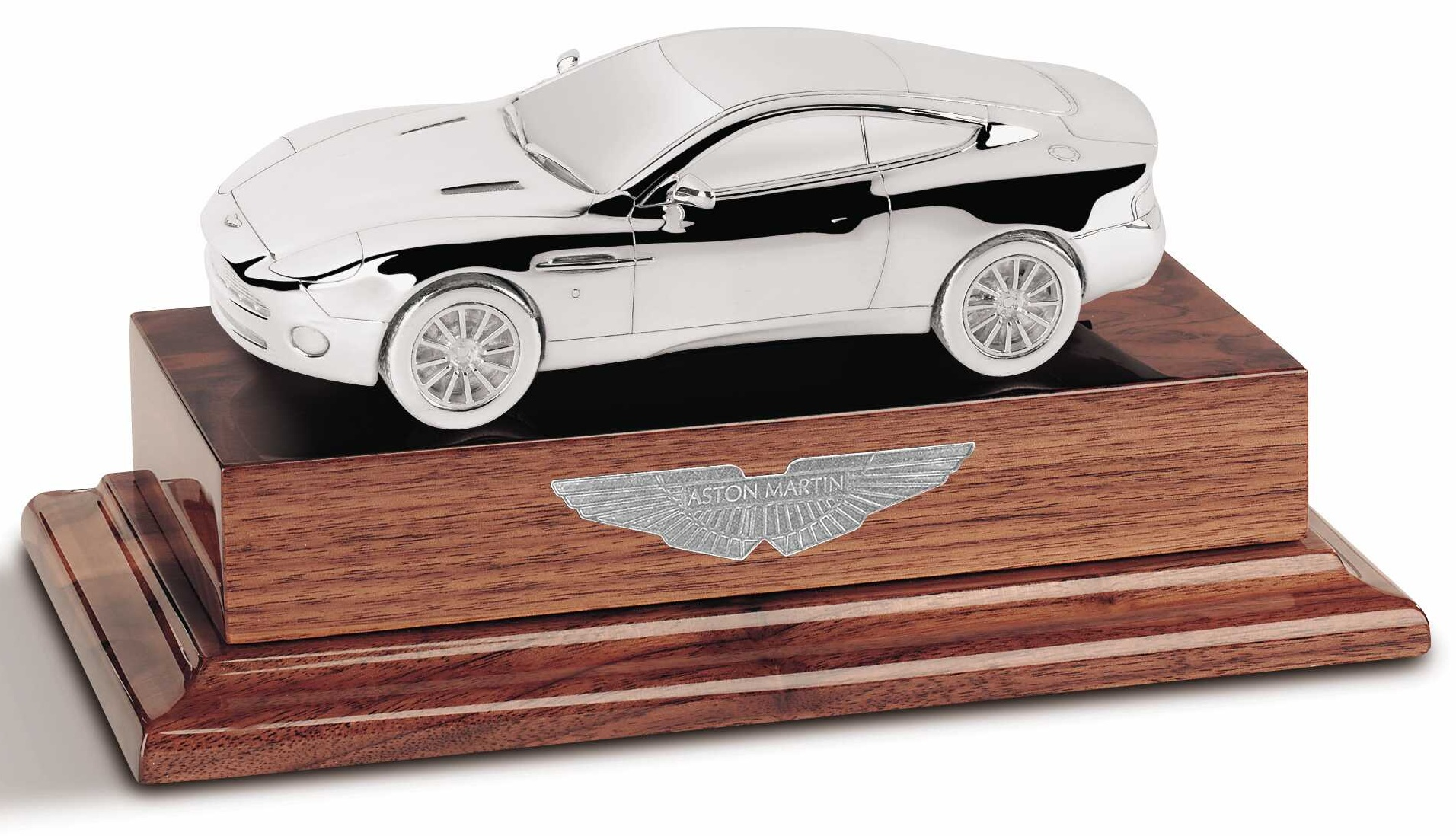 Silver Aston Martin 1:24 scale Vanquish