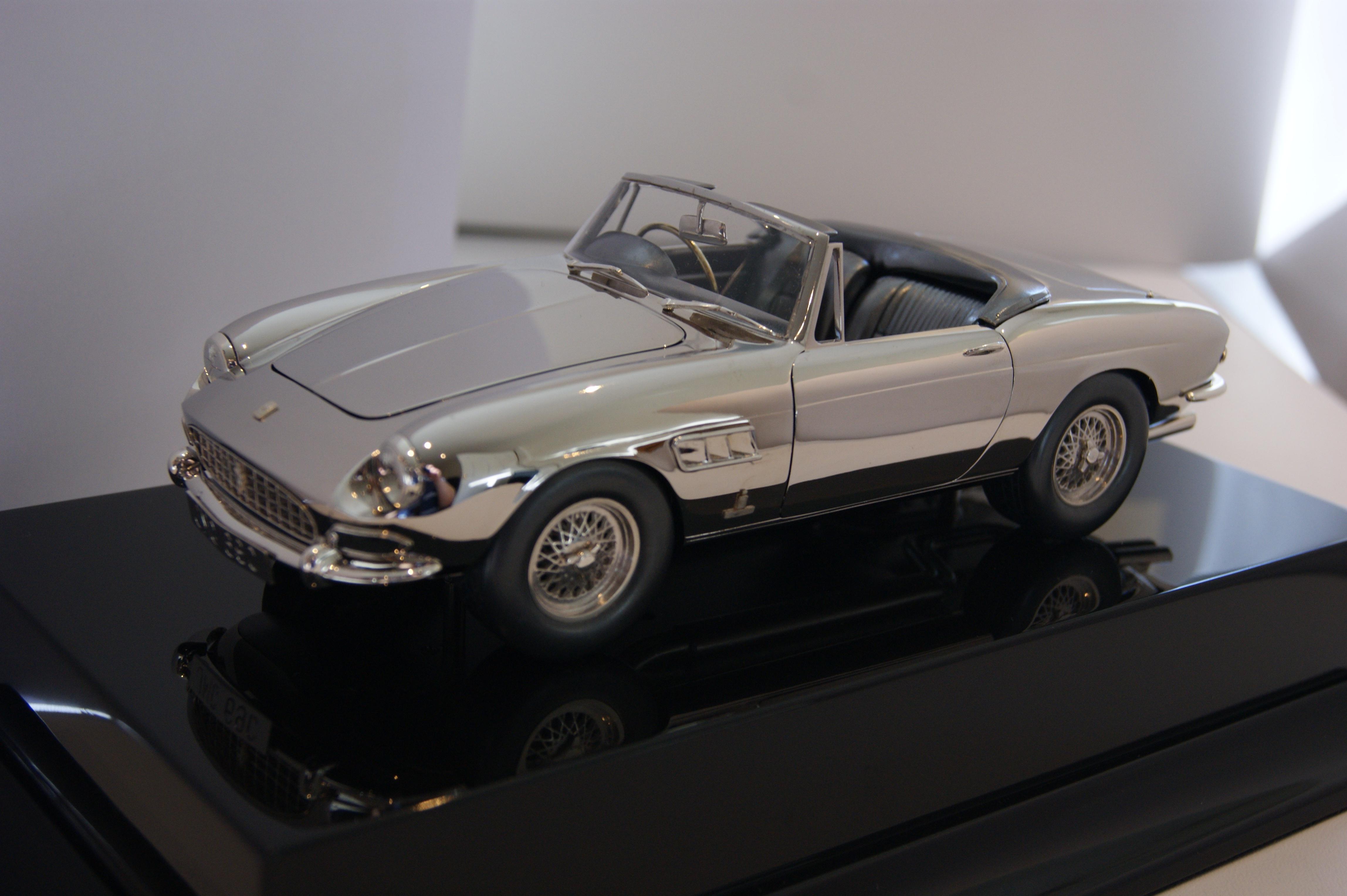 Ferrari 275GTS 1:18 scale